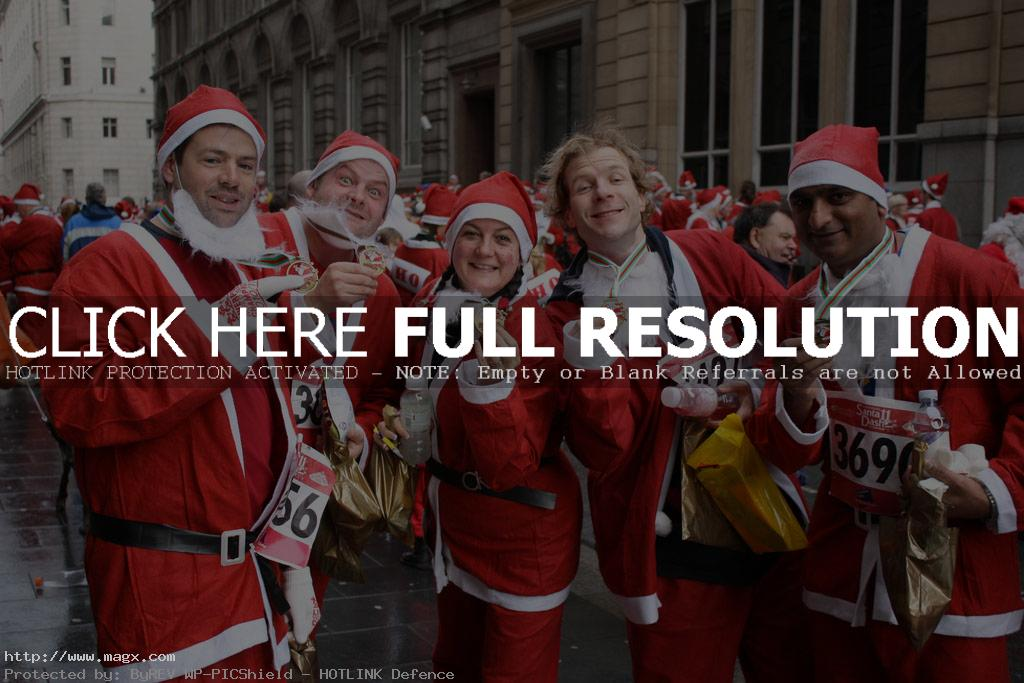 santa run More Than 8,000 Runners at Liverpool Santa Dash 2011