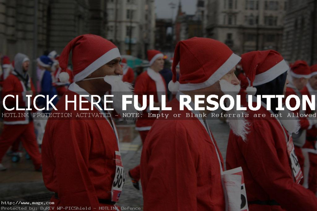 santa run2 More Than 8,000 Runners at Liverpool Santa Dash 2011