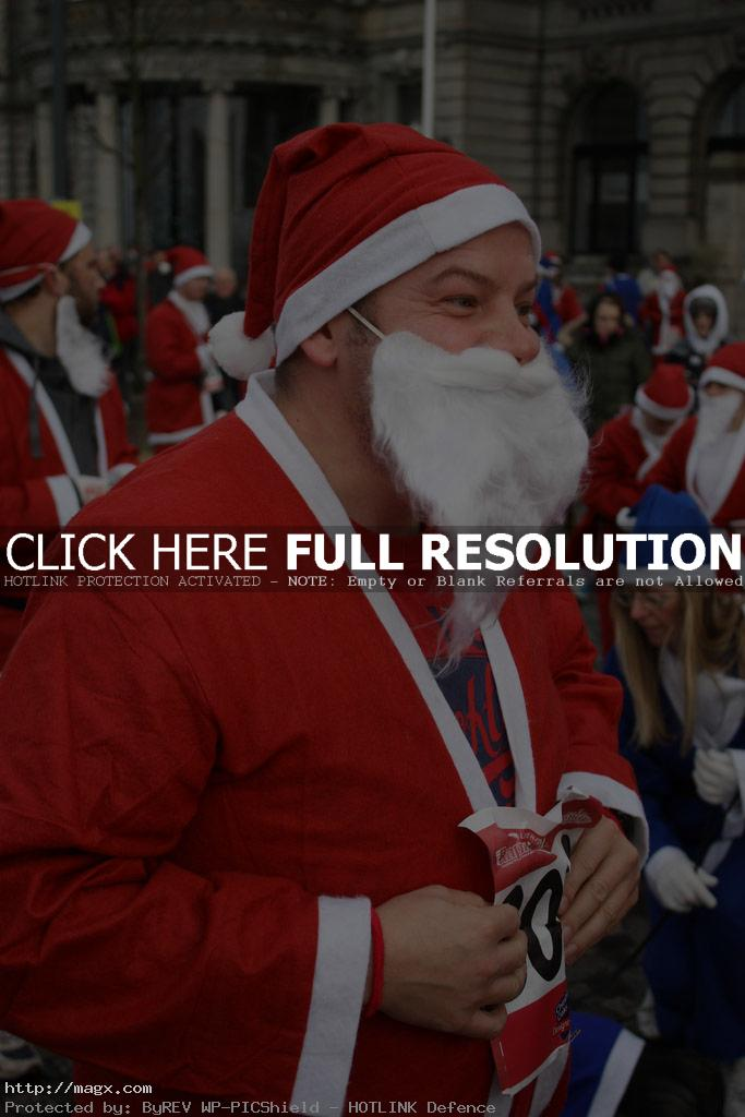 santa run3 More Than 8,000 Runners at Liverpool Santa Dash 2011