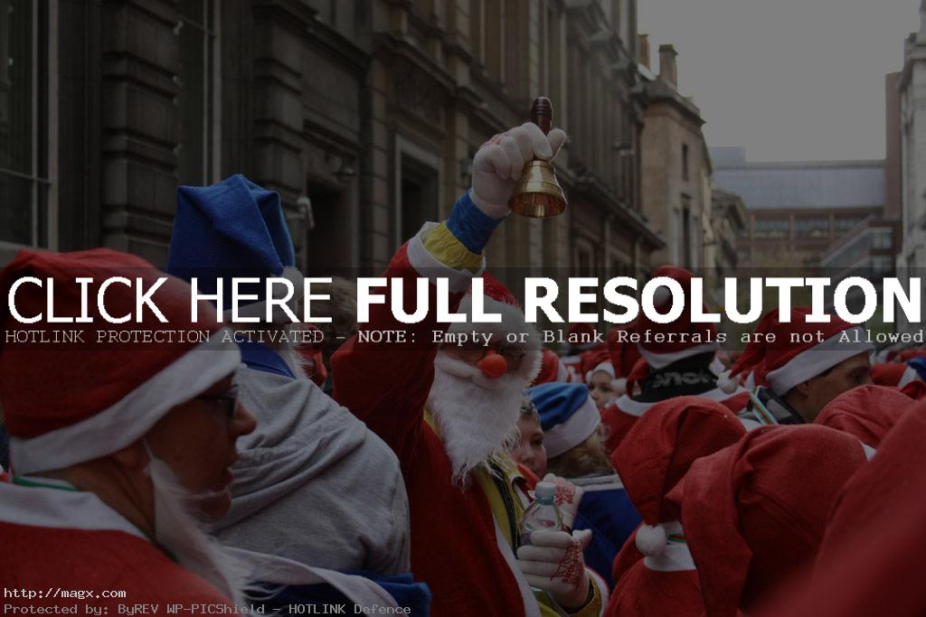 santa run6 More Than 8,000 Runners at Liverpool Santa Dash 2011