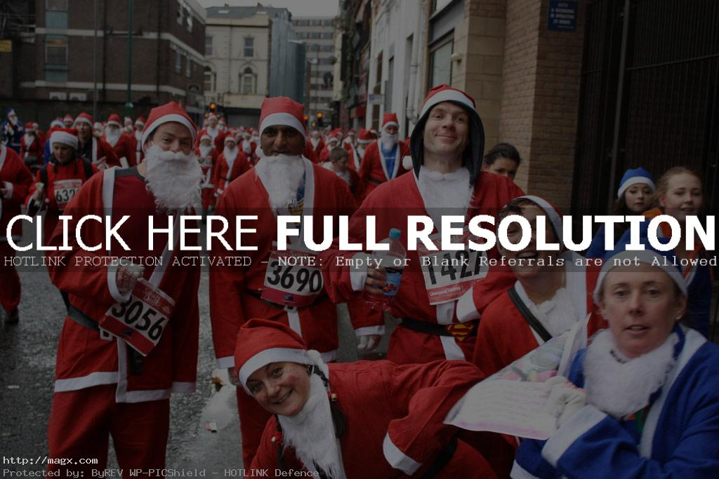 santa run7 More Than 8,000 Runners at Liverpool Santa Dash 2011