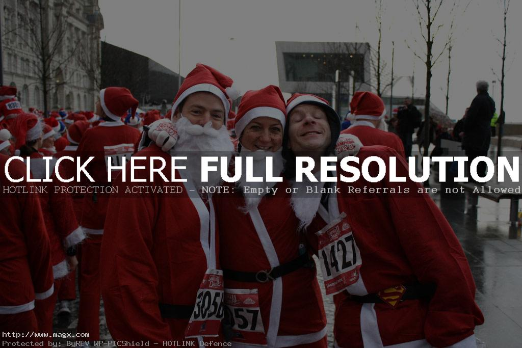 santa run8 More Than 8,000 Runners at Liverpool Santa Dash 2011