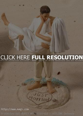 wedding cakes toppers13 Best Wedding Cake Toppers