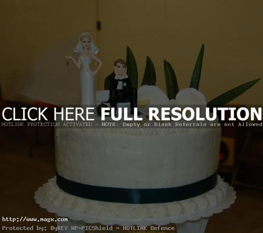 wedding cakes toppers6 Best Wedding Cake Toppers