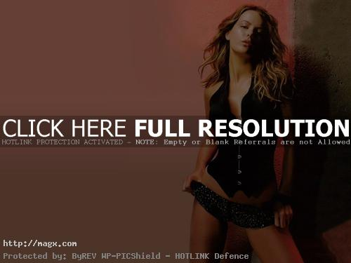 kate beckinsale8 Attractive Kate Beckinsale Looks Glamorous
