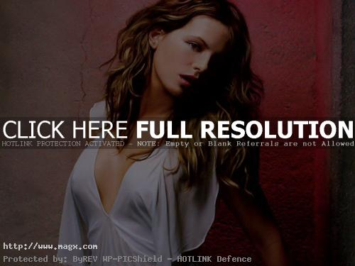 kate beckinsale9 Attractive Kate Beckinsale Looks Glamorous