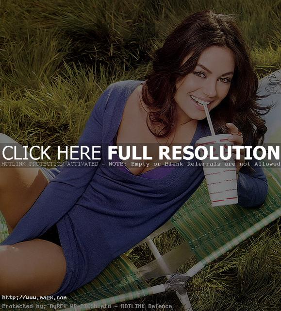 mila kunis3 Mila Kunis Photo Gallery