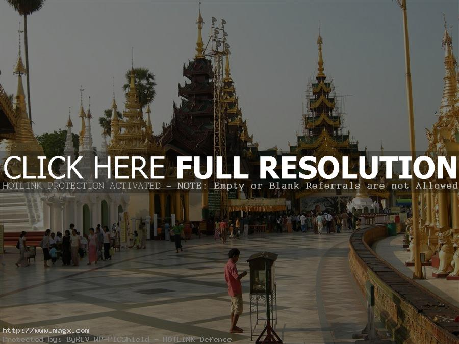 shwedagon pagoda7 The Magnificent Shwedagon Pagoda