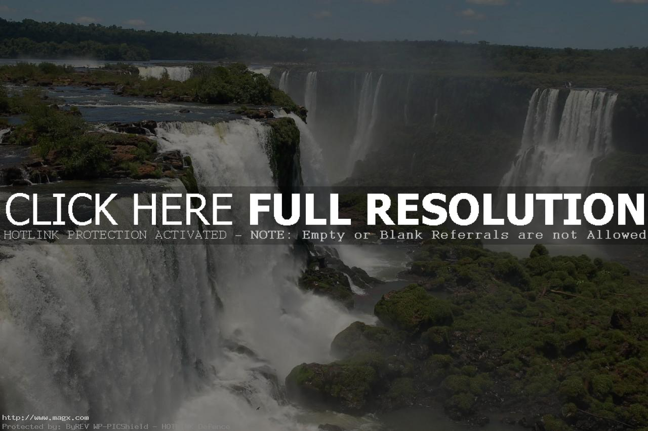 iguassu falls5 The Most Beautiful Waterfalls of The World   Iguazu Falls, Argentina
