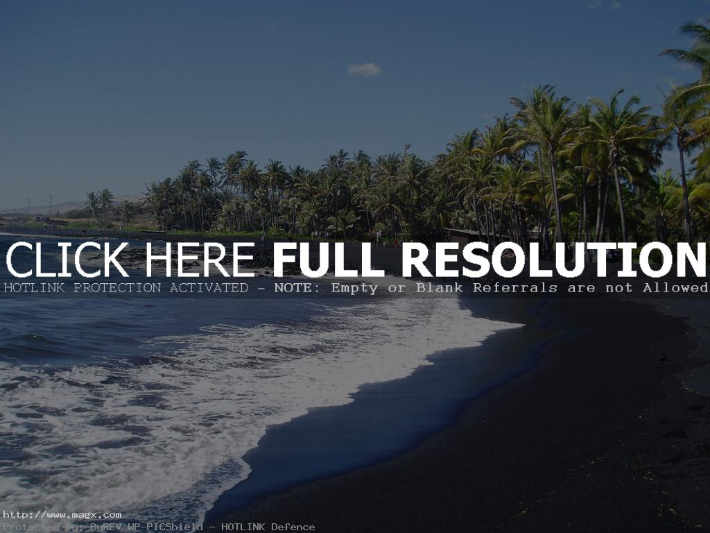 black beach6 Panuluu Hawaiian Black Sand Beach