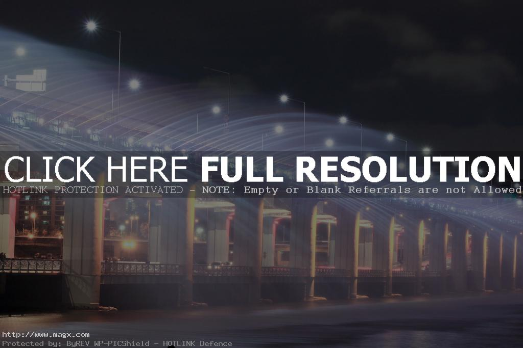 banpo bridge1 Rainbow Fountain Banpo Bridge in Seoul, South Korea