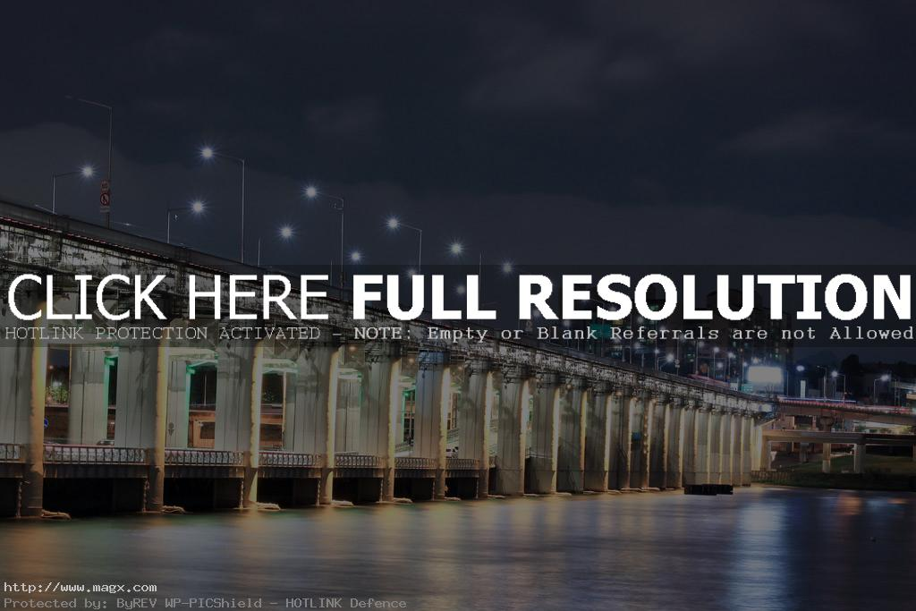 banpo bridge4 Rainbow Fountain Banpo Bridge in Seoul, South Korea
