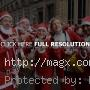 More Than 8,000 Runners at Liverpool Santa Dash 2011