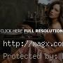 Attractive Kate Beckinsale Looks Glamorous