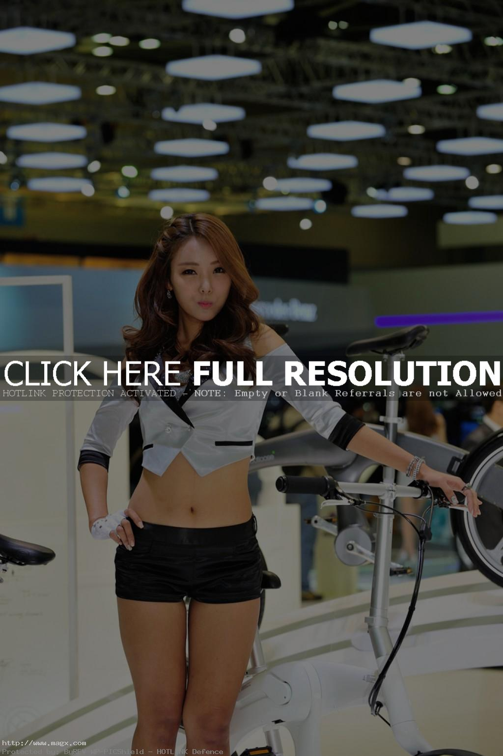 korean girls15 Most Beautiful Promotional Models of Seoul Motor Show 2013