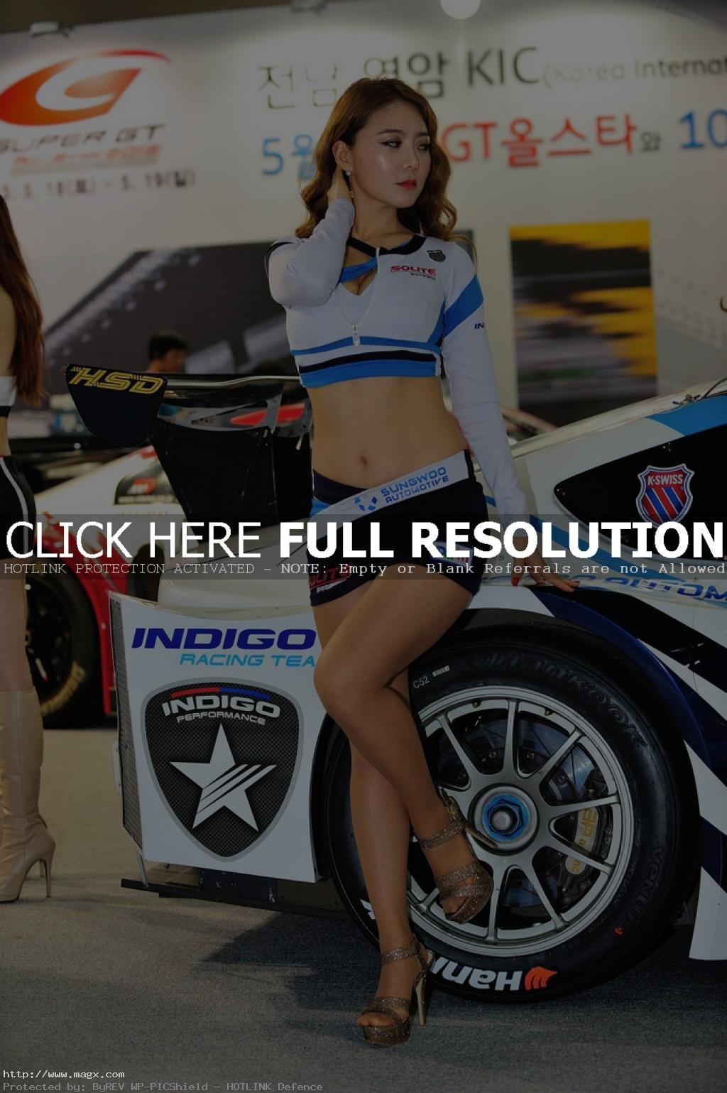 korean girls4 Most Beautiful Promotional Models of Seoul Motor Show 2013